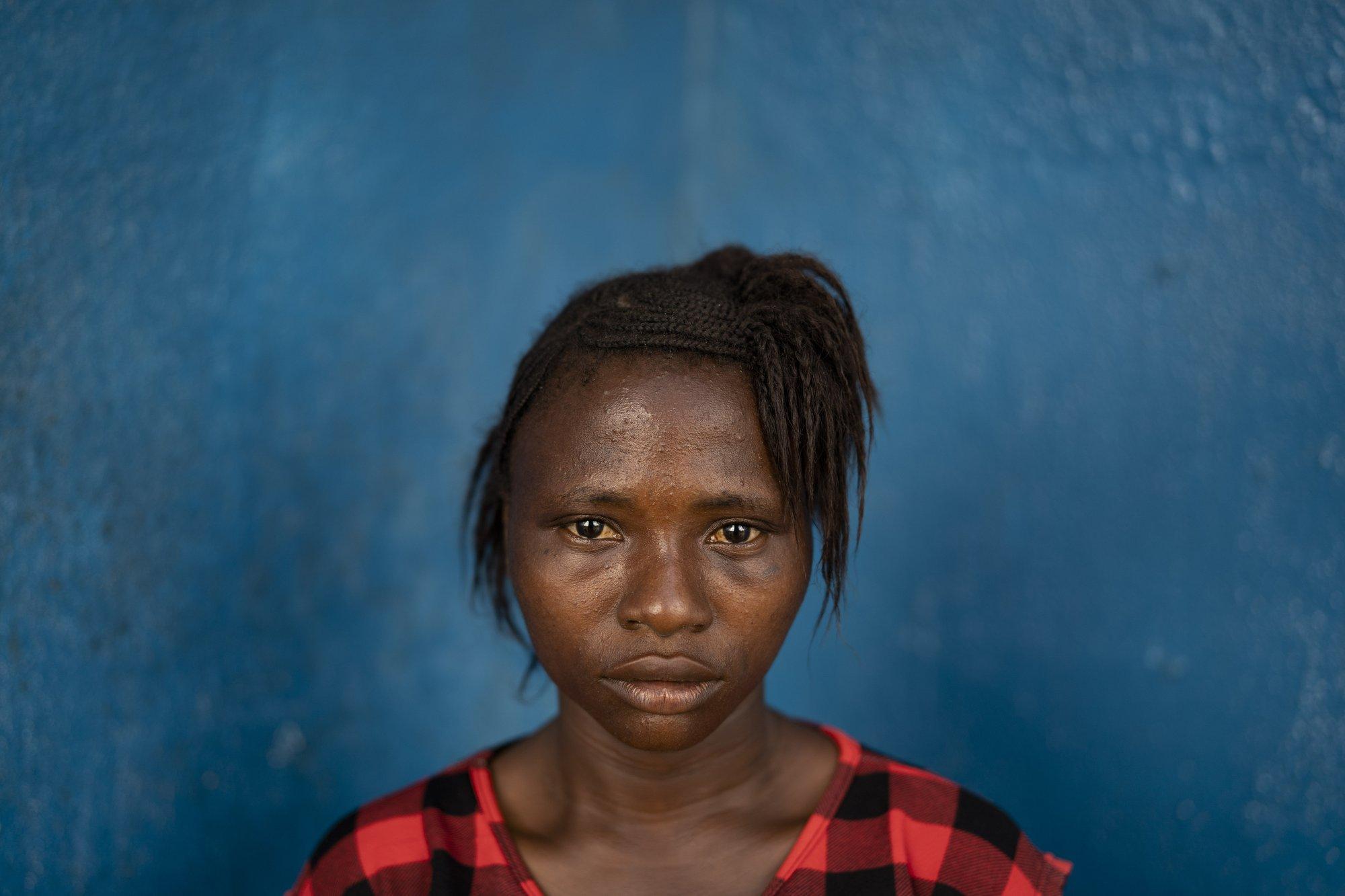 Hy sinh trẻ em gái đổi lấy kinh tế trong tình cảnh ngặt nghèo của đại dịch - Ảnh 11.