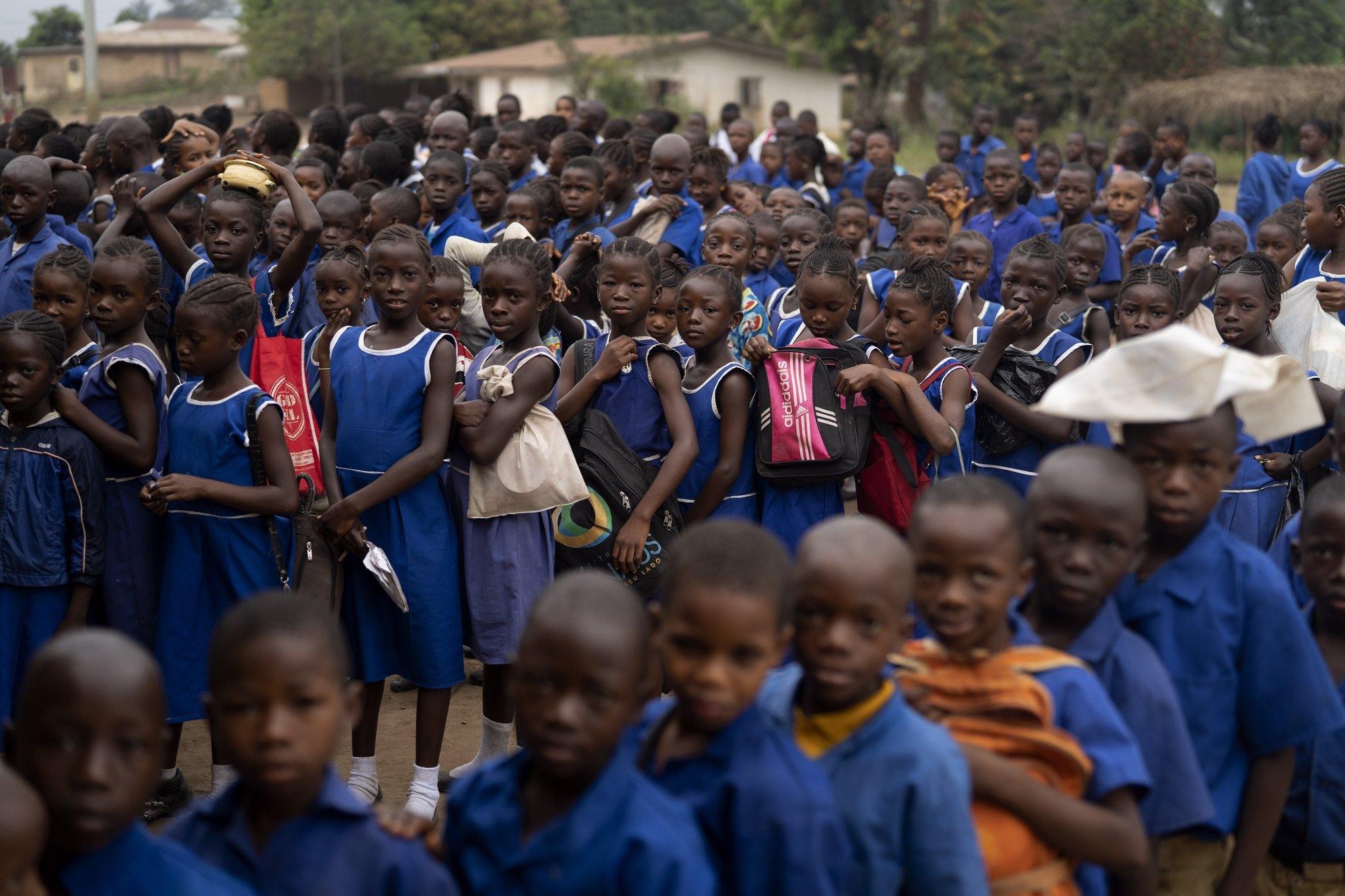 Hy sinh trẻ em gái đổi lấy kinh tế trong tình cảnh ngặt nghèo của đại dịch - Ảnh 7.