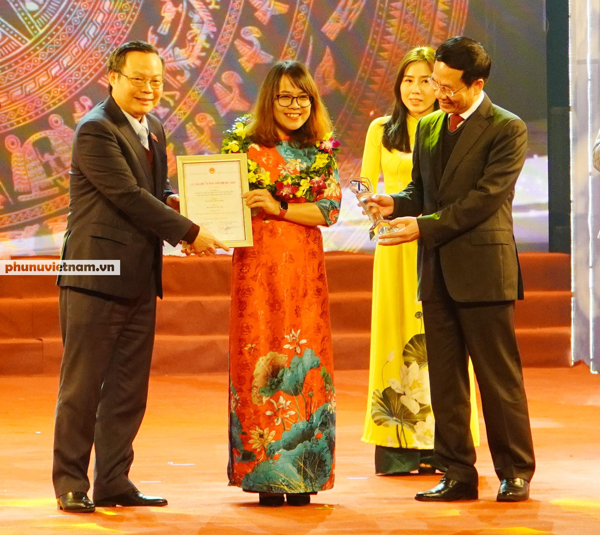 """Báo Phụ nữ Việt Nam đạt Giải C Giải Báo chí """"75 năm Quốc hội Việt Nam"""" - Ảnh 2."""