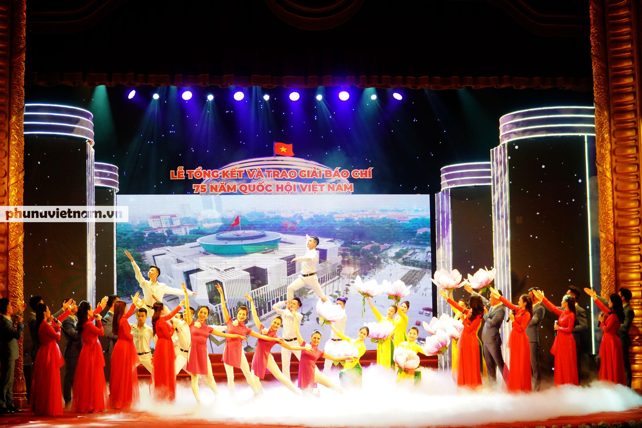 """Báo Phụ nữ Việt Nam đạt Giải C Giải Báo chí """"75 năm Quốc hội Việt Nam"""" - Ảnh 6."""