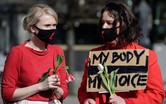 Biểu tình đòi quyền phá thai lan rộng ở Mỹ - Ảnh 1.