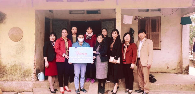Hội LHPN tỉnh Thái Nguyên mang Tết đến cho người nghèo  - Ảnh 3.