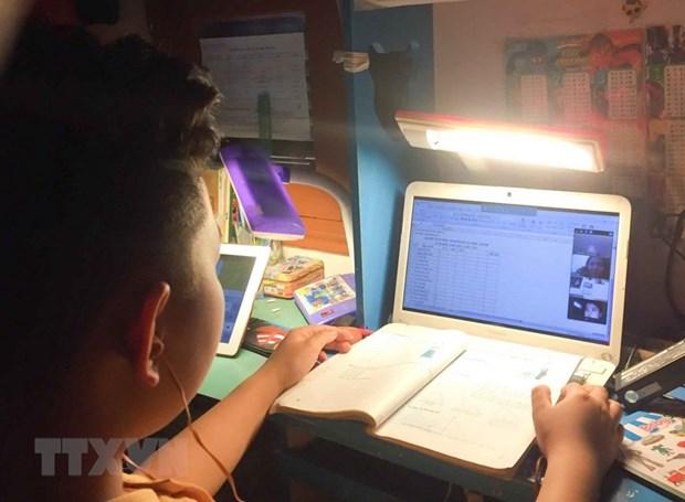 Bộ Giáo dục lên tiếng về dạy học trực tuyến cho học sinh lớp 1 - Ảnh 1.