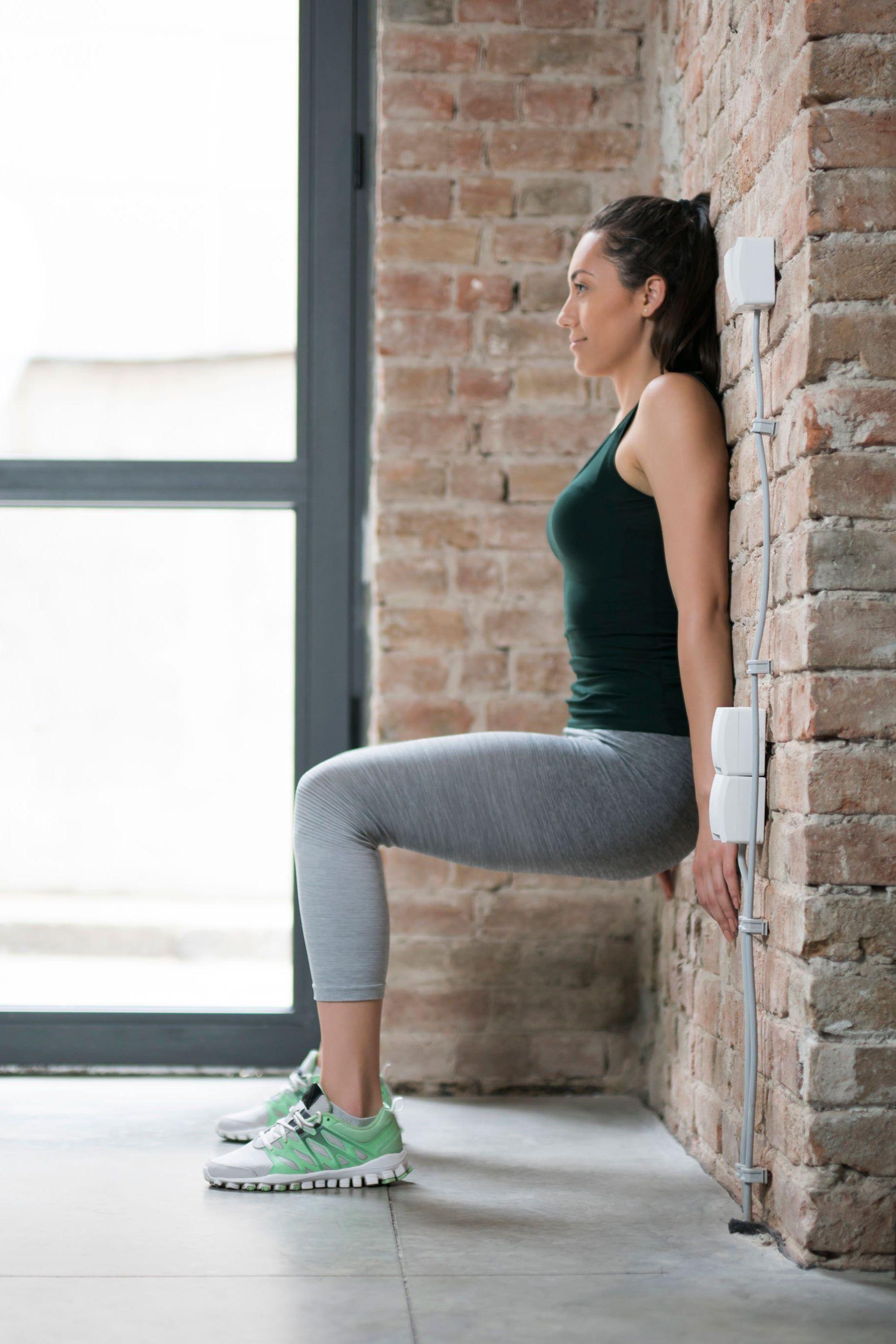 Mỗi tối đứng dựa vào tường 5 phút là giảm cân nhanh chóng, chân và đùi săn chắc rõ rệt - Ảnh 4.
