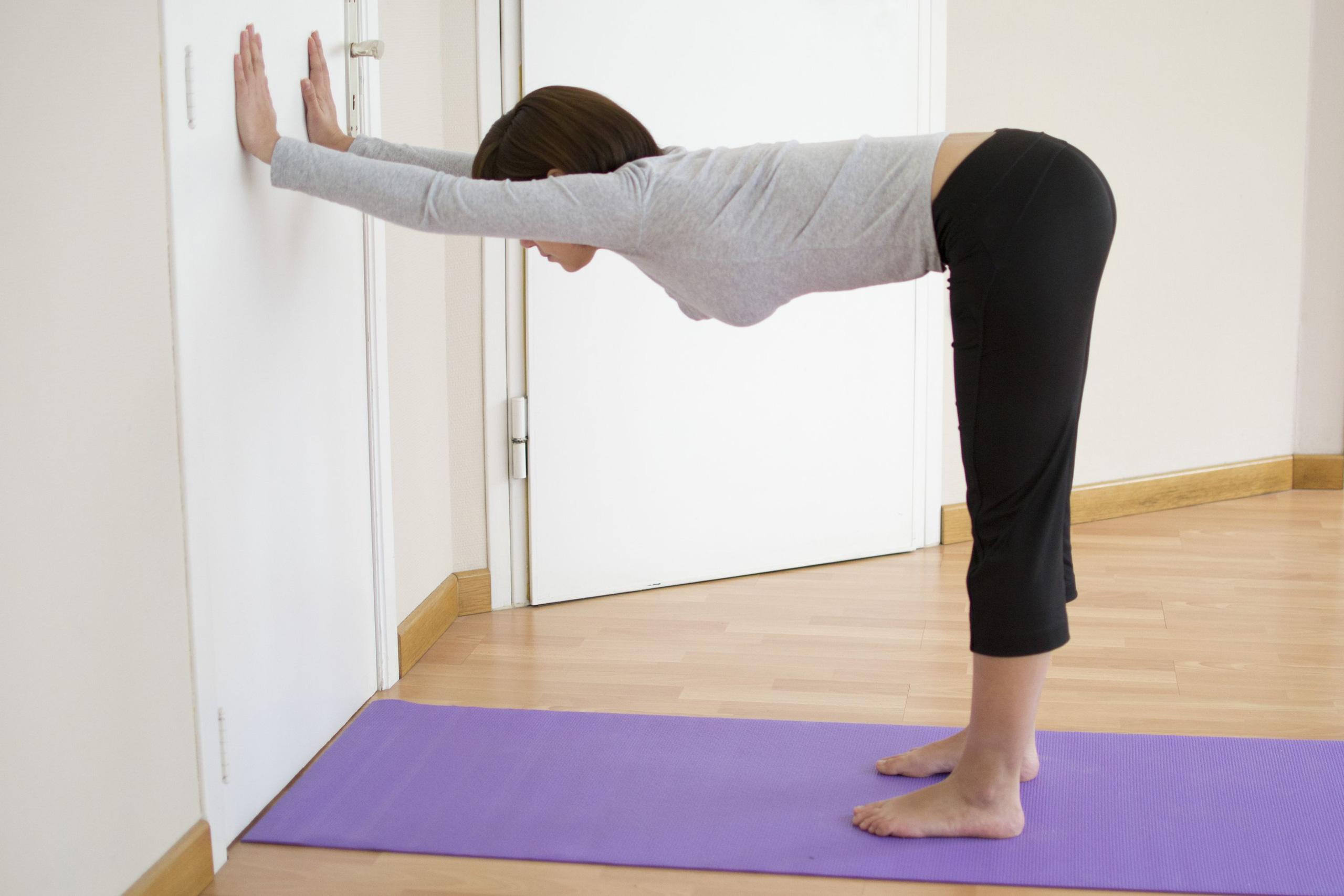 Mỗi tối đứng dựa vào tường 5 phút là giảm cân nhanh chóng, chân và đùi săn chắc rõ rệt - Ảnh 7.