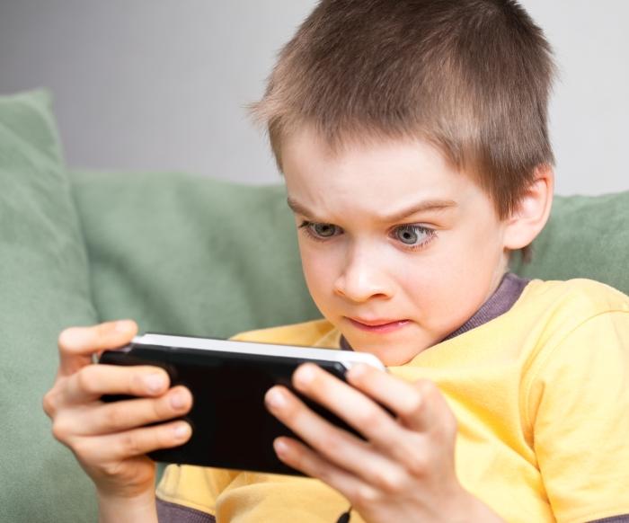 Nghiện điện thoại và cách hạn chế thời gian sử dụng điện thoại ở trẻ - Ảnh 3.