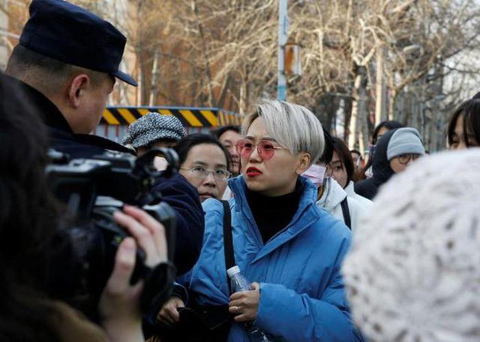 Trung Quốc có động thái cấm phụ nữ độc thân đông lạnh trứng  - Ảnh 2.