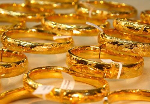 Phiên bắt đáy khiến vàng tăng mạnh trở lại, giá trong nước thoát hiểm ngưỡng dưới 54 triệu đồng - Ảnh 1.