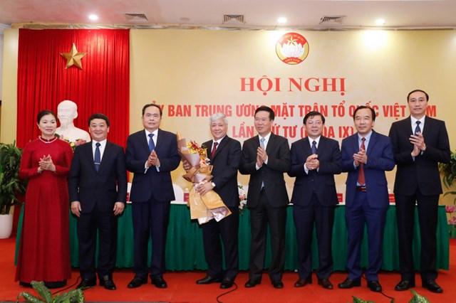 Tân Chủ tịch UBTƯ MTTQ Việt Nam Đỗ Văn Chiến: Đồng tâm hiệp lực xây dựng MTTQ Việt Nam vững mạnh - Ảnh 2.