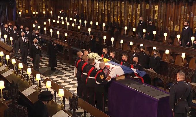 Nữ hoàng Anh Elizabeth II  - tang lễ Hoàng thân Philip