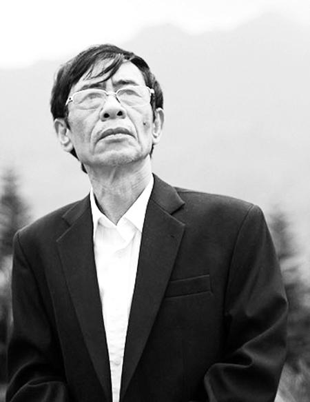 Bạn đọc tiếc thương khi hay tin nhà thơ Hoàng Nhuận Cầm đột ngột qua đời - Ảnh 1.