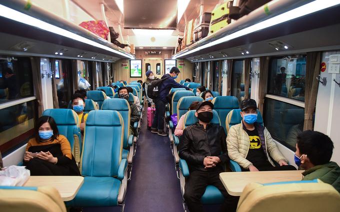 Thí sinh đi thi, đi nhập học được giảm 10% giá vé tàu hỏa - Ảnh 2.