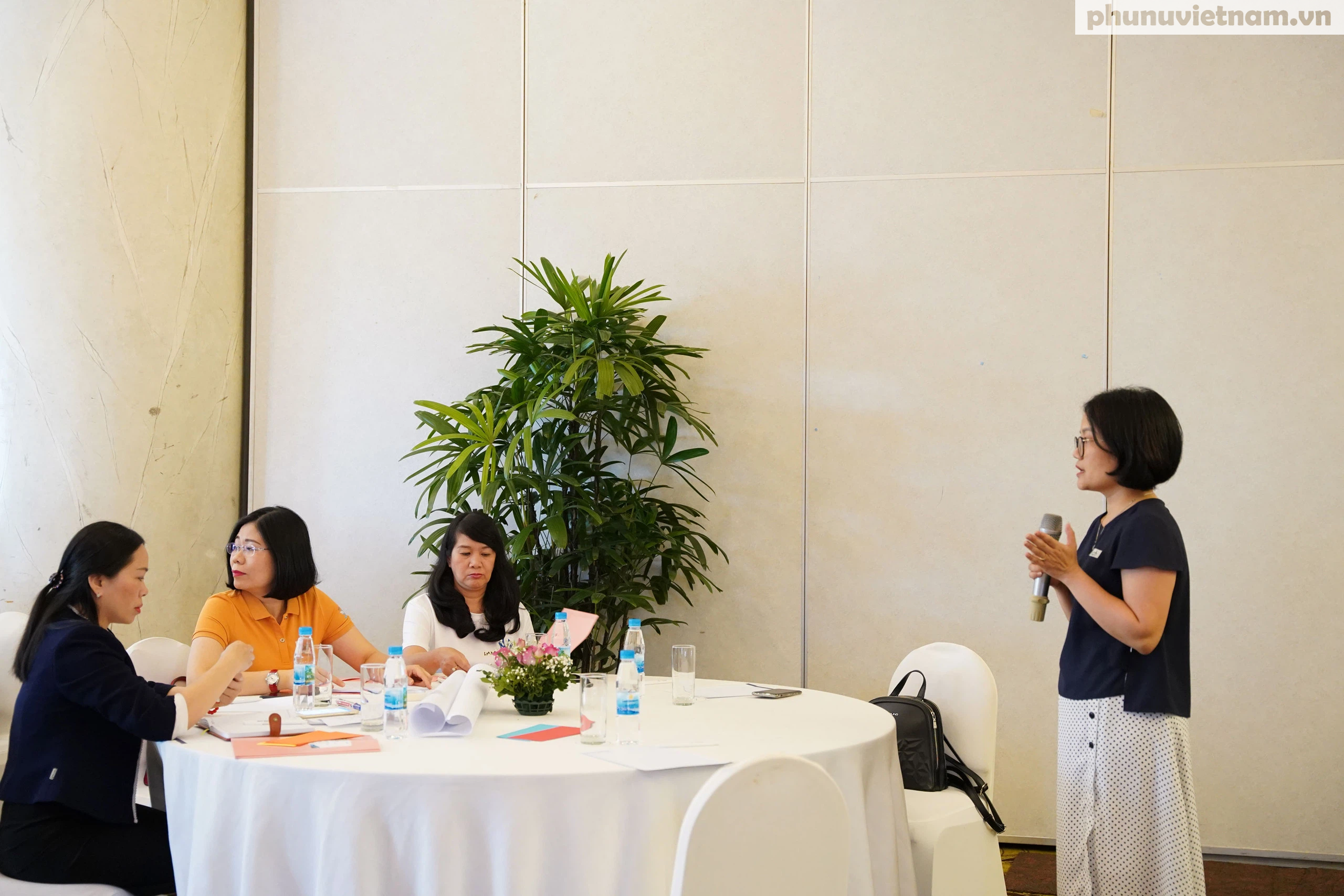 Cán bộ Hội LHPN ở 5 tỉnh, thành phố tham gia tập huấn về tham vấn cho phụ nữ di cư hồi hương - Ảnh 2.