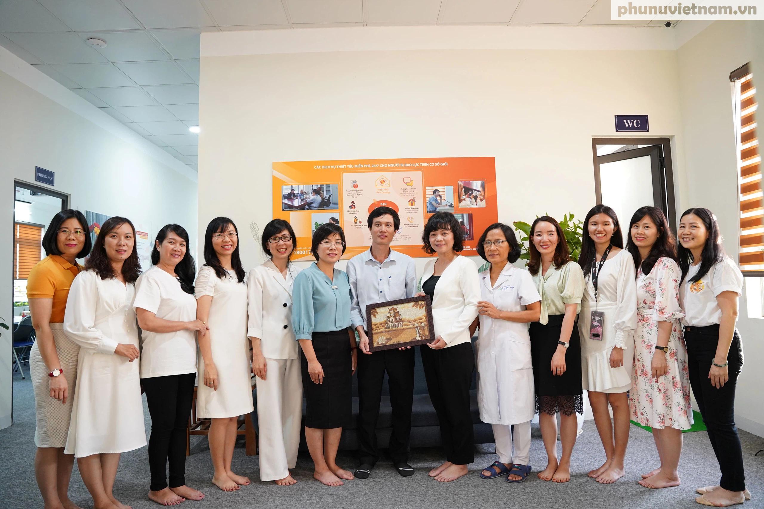 Cán bộ Hội LHPN ở 5 tỉnh, thành phố tham gia tập huấn về tham vấn cho phụ nữ di cư hồi hương - Ảnh 9.