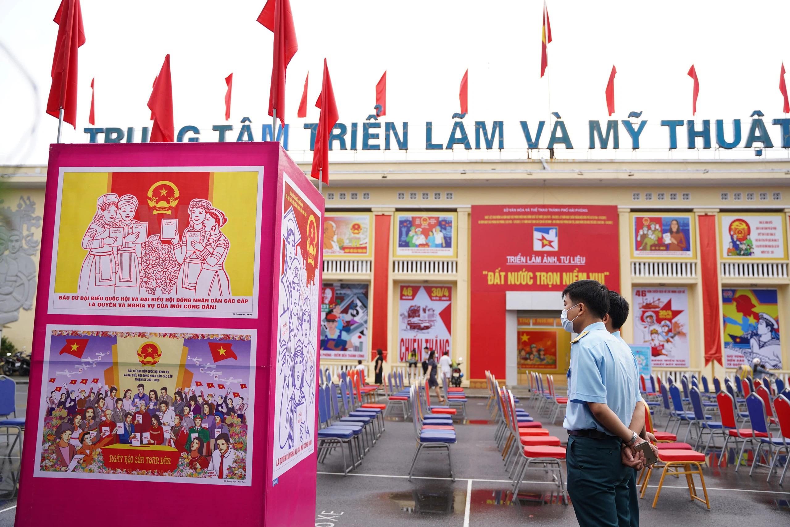Trao giải thưởng, khai mạc triển lãm trưng bày 63 bức tranh cổ động tấm lớn toàn quốc - Ảnh 9.