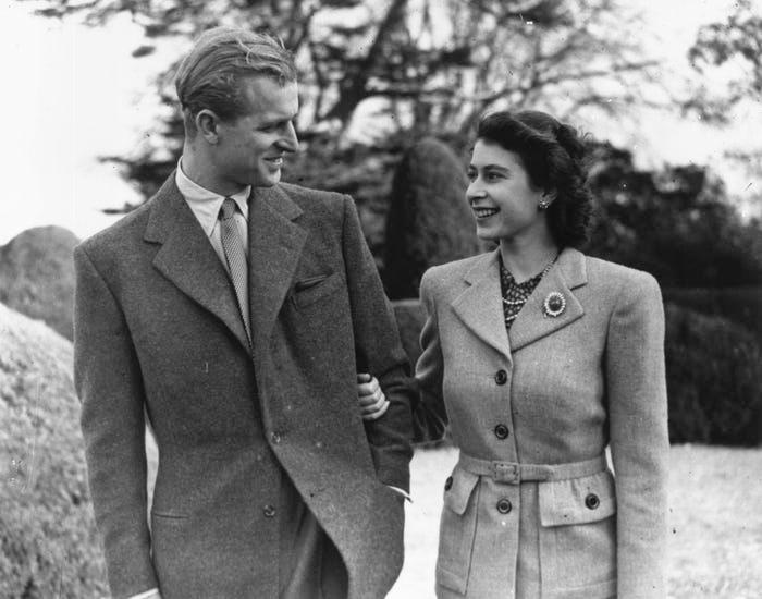 Những khoảnh khắc hạnh phúc trong 74 năm chung sống của Nữ hoàng Anh Elizabeth II và Hoàng thân Philip - Ảnh 3.
