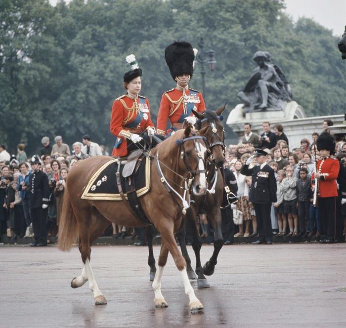 Những khoảnh khắc hạnh phúc trong 74 năm chung sống của Nữ hoàng Anh Elizabeth II và Hoàng thân Philip - Ảnh 5.