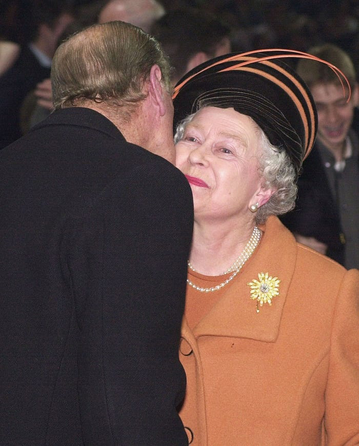 Những khoảnh khắc hạnh phúc trong 74 năm chung sống của Nữ hoàng Anh Elizabeth II và Hoàng thân Philip - Ảnh 7.