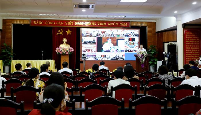 Nhiều tỉnh, thành tổ chức hội nghị tiếp xúc cử tri bằng hình thức trực tuyến - Ảnh 1.