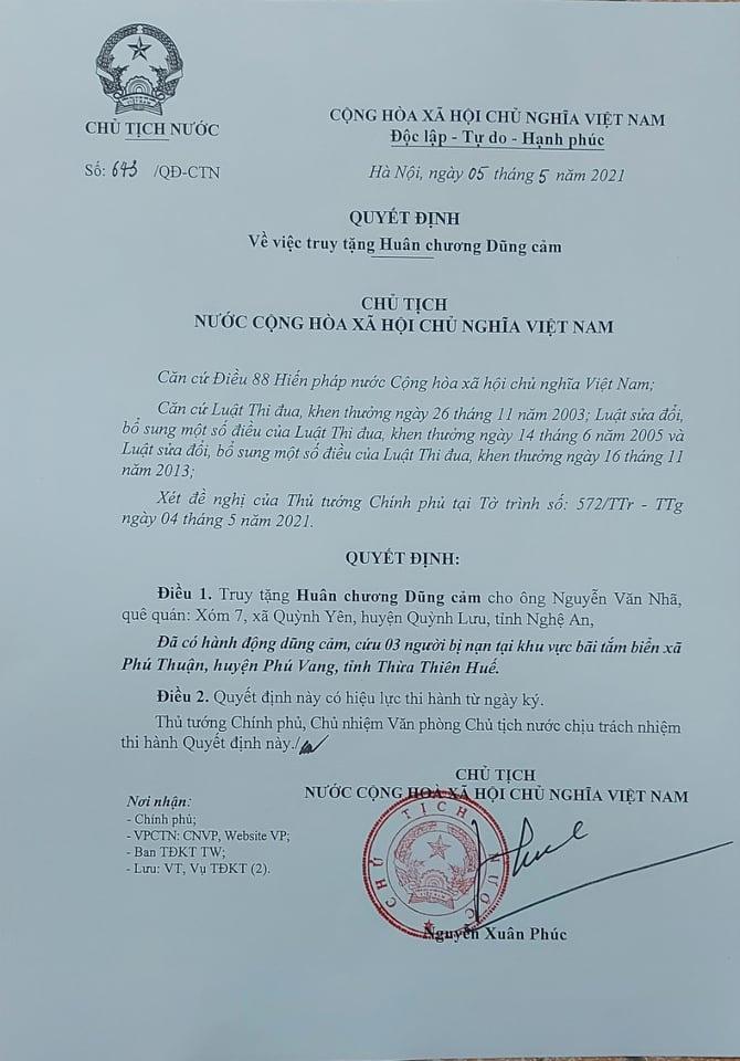 Truy tặng Huân chương Dũng cảm của chủ tịch nước cho sinh viên Nguyễn Văn Nhã - Ảnh 1.