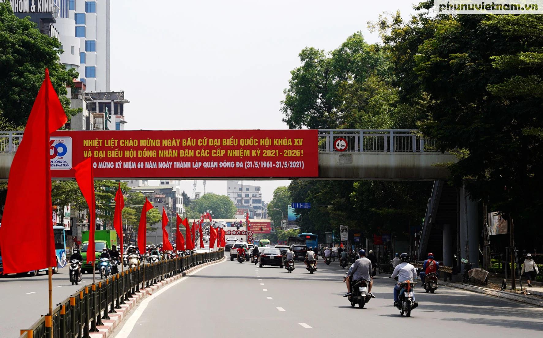 """Phố phường Hà Nội rừng rực khí thế chào mừng """"Ngày hội của toàn dân"""" - Ảnh 3."""