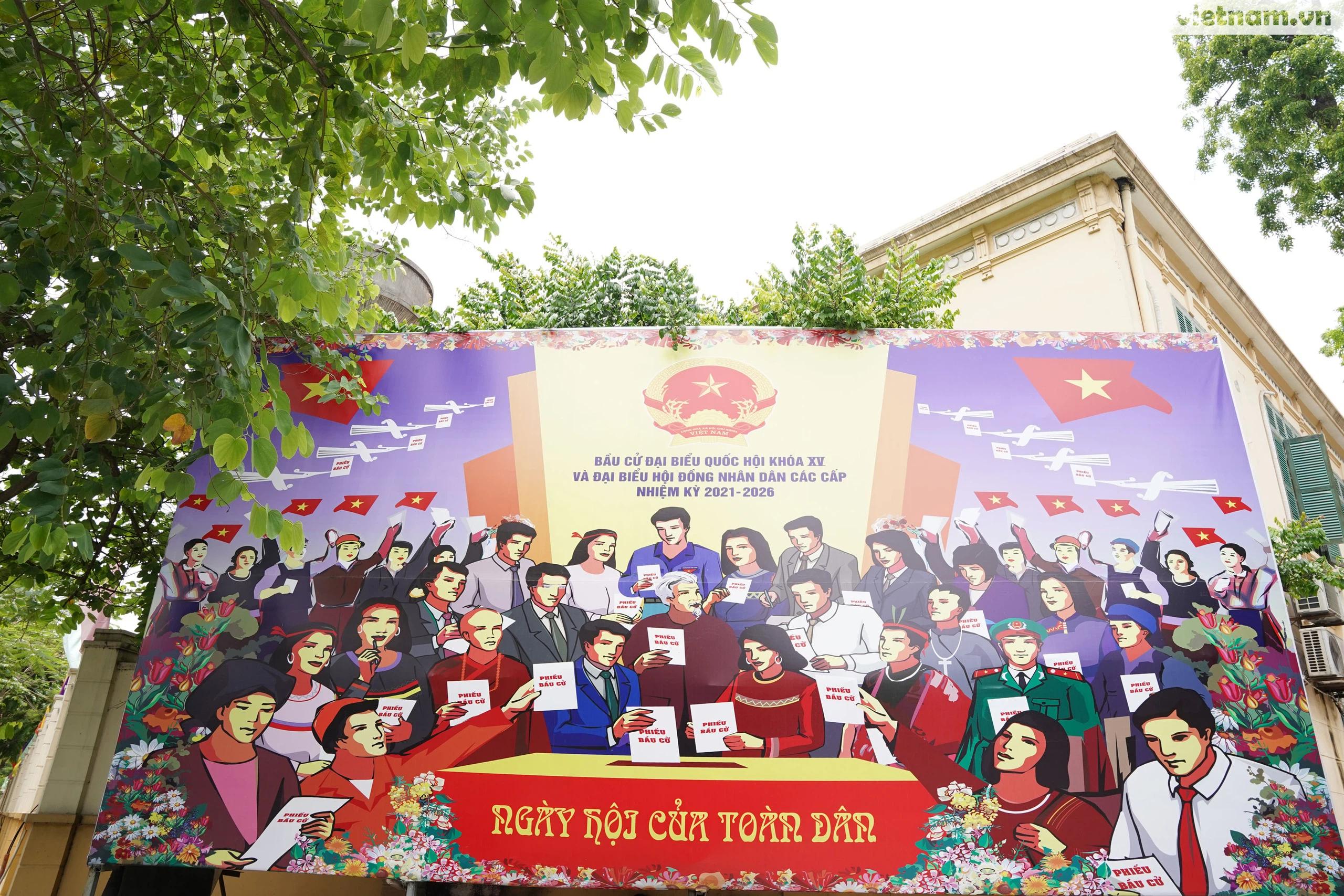 """Phố phường Hà Nội rừng rực khí thế chào mừng """"Ngày hội của toàn dân"""" - Ảnh 20."""
