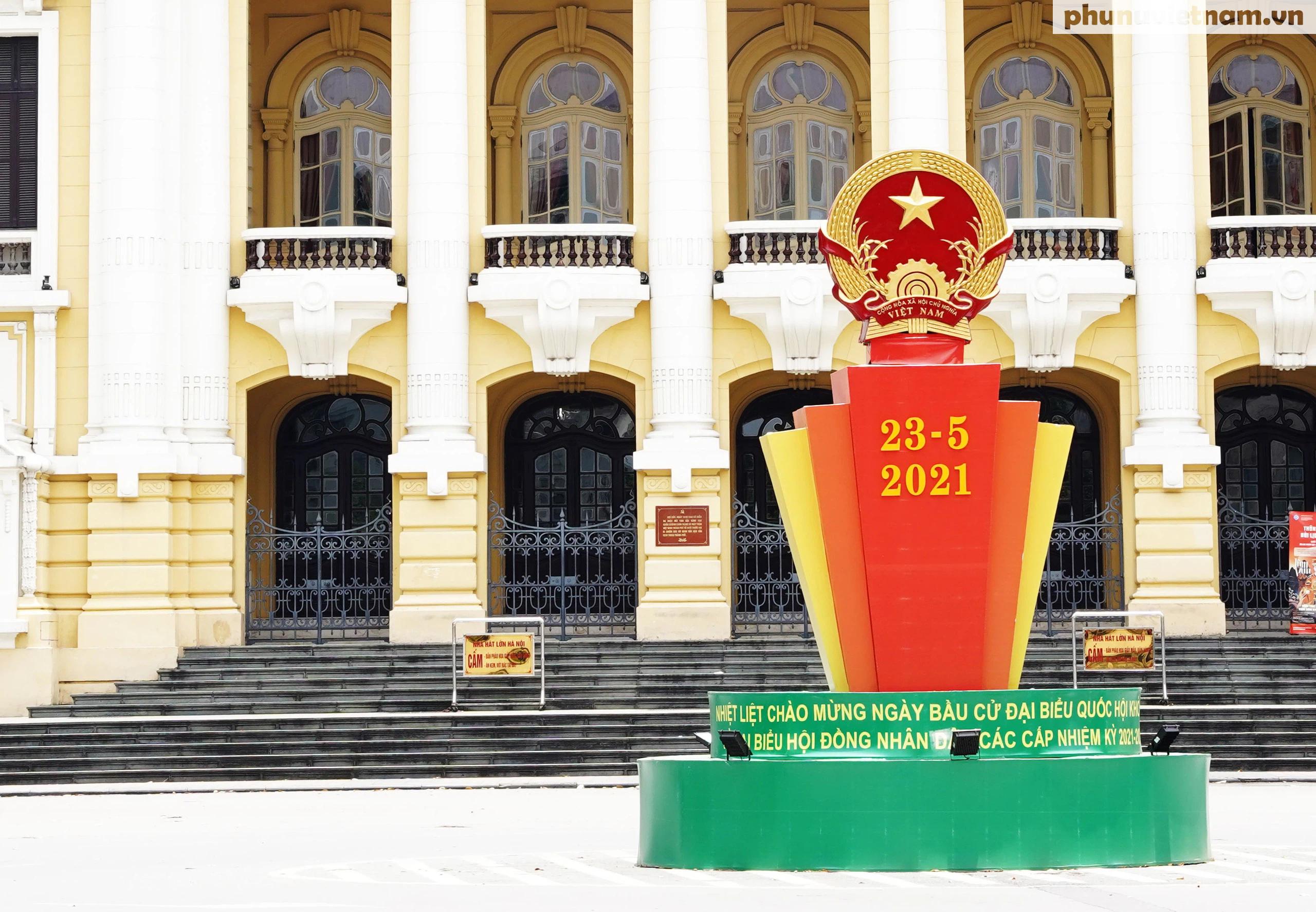 """Phố phường Hà Nội rừng rực khí thế chào mừng """"Ngày hội của toàn dân"""" - Ảnh 25."""