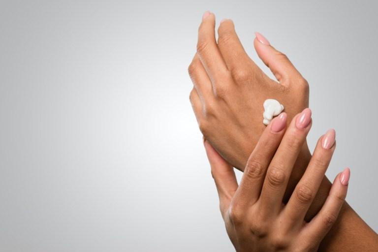 10 sai lầm khi sử dụng nước rửa tay nhiều người mắc phải - Ảnh 2.