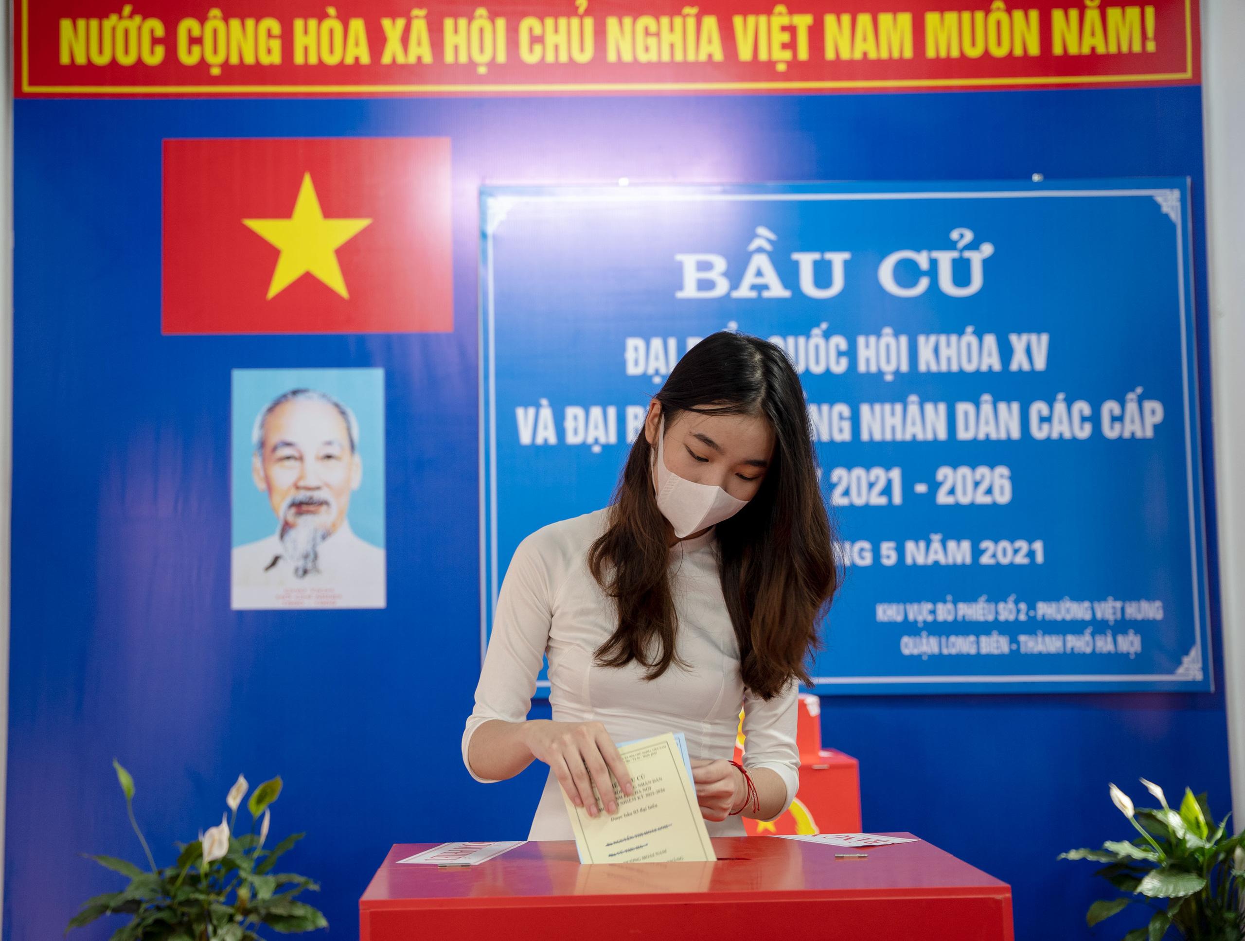 """Thiếu nữ Hà Thành 18 tuổi, lần đầu đi bầu cử: """"Cảm thấy tự hào, vì đã góp phần xây dựng bộ máy chính quyền nhà nước"""" - Ảnh 3."""