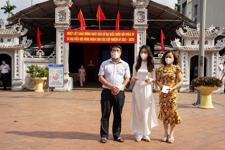 """Thiếu nữ Hà Thành 18 tuổi, lần đầu đi bầu cử: """"Cảm thấy tự hào, vì đã góp phần xây dựng bộ máy chính quyền nhà nước"""" - Ảnh 4."""