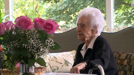 Cụ bà 114 tuổi sống thọ nhất đất Mỹ - Ảnh 1.