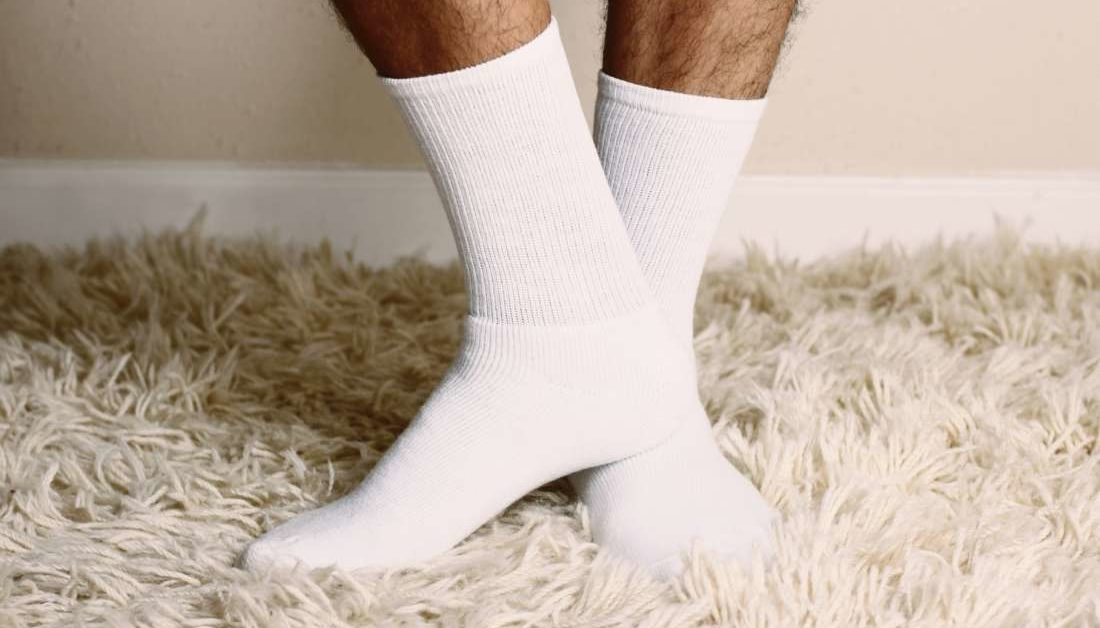 Thích đeo giày nhưng lại bị ra mồ hôi chân mùa hè, đừng bỏ qua 10 mẹo sau - Ảnh 4.