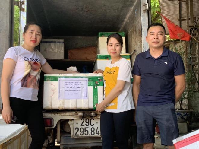 9X Hà Nội nấu hàng nghìn cốc chè hỗ trợ người dân vùng dịch Bắc Giang - Ảnh 2.
