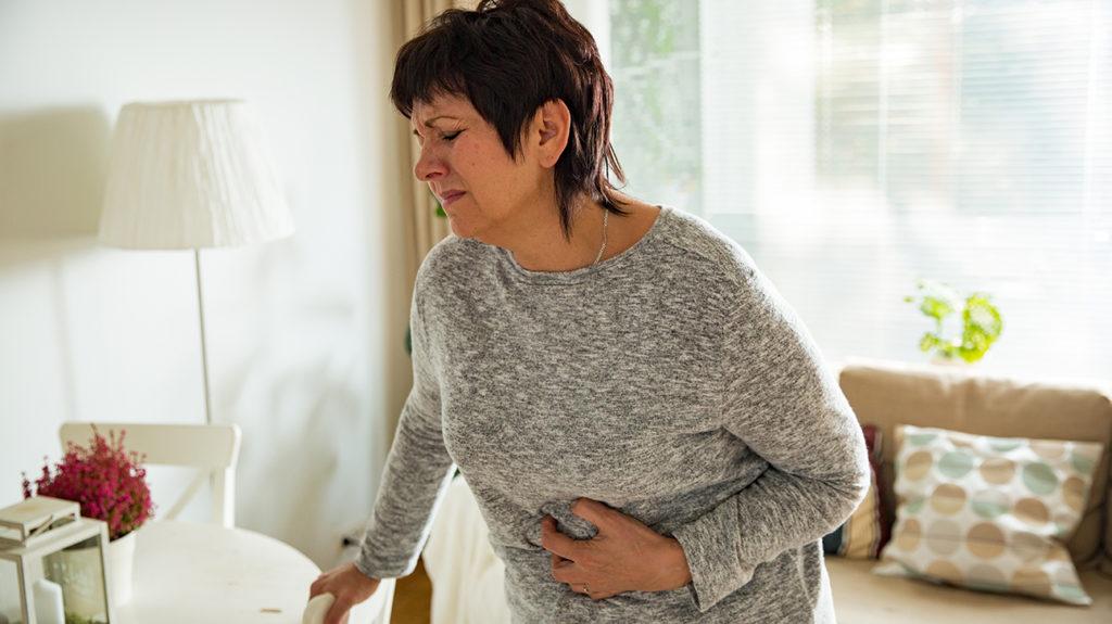 Mối quan hệ giữa bệnh viêm đường ruột (Crohn) và Covid-19 - Ảnh 2.