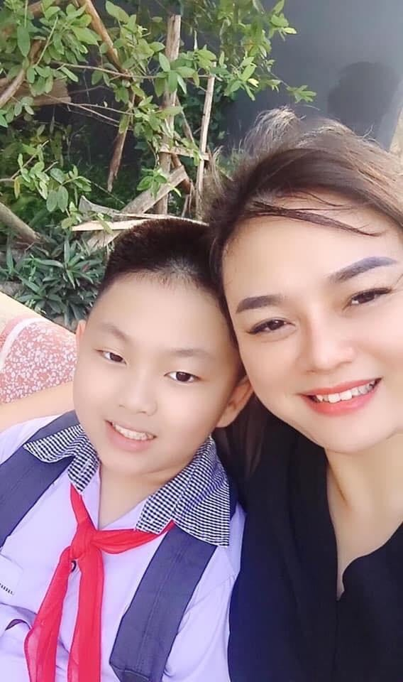Chị Hạnh và con trai