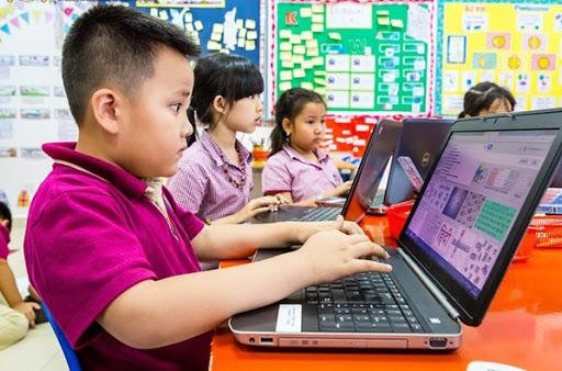 Bảo vệ trẻ trên môi trường mạng: Cấm đoán con dùng internet sẽ có tác dụng ngược - Ảnh 1.