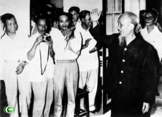 Lời dặn của Bác với các nữ học viên lớp báo chí kháng chiến đầu tiên - Ảnh 2.