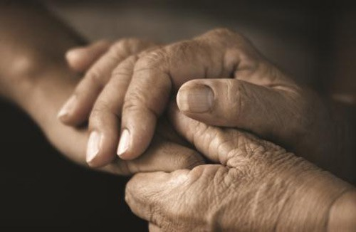 Xin dành cả đời con để biết ơn đôi bàn tay cha! - Ảnh 1.