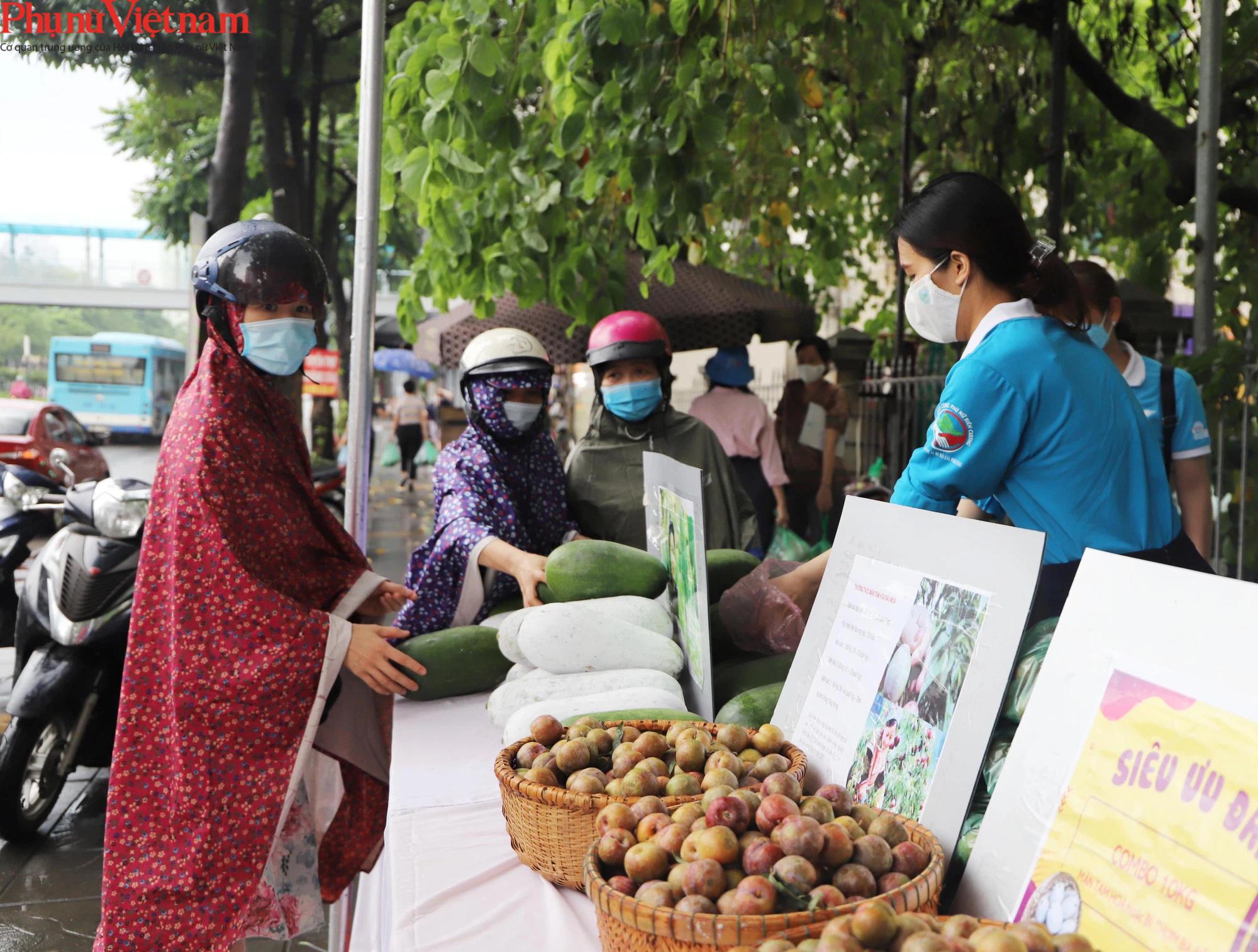 Hội LHPN Việt Nam hỗ trợ tiêu thụ nông sản trong đại dịch Covid-19