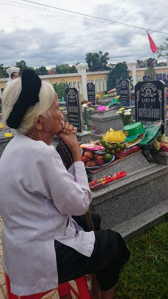 Tháng 7 theo bà tưởng nhớ các anh hùng liệt sĩ - Ảnh 2.