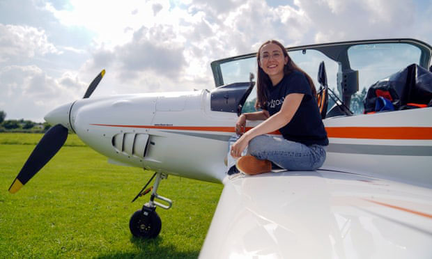 Cô gái 19 tuổi sắp lái máy bay vòng quanh thế giới - Ảnh 1.
