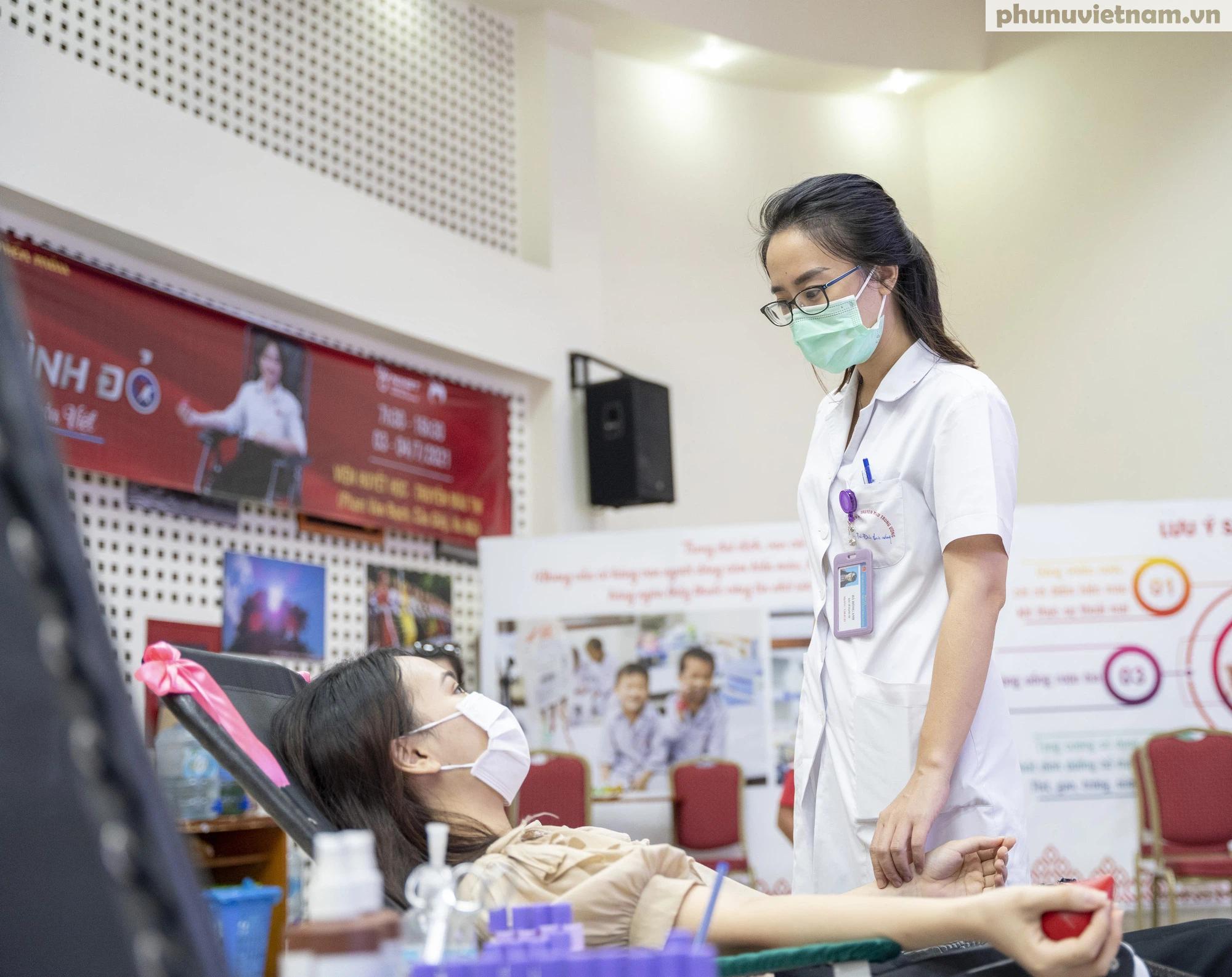 Nỗ lực tiếp nhận máu, cứu nguy cho các bệnh nhân cần máu trên cả nước - Ảnh 6.
