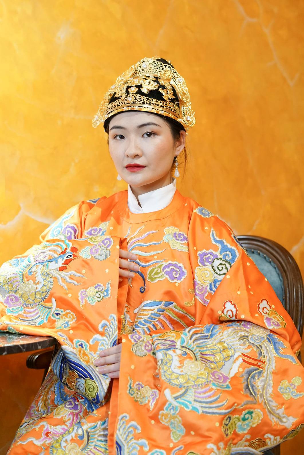 Cổ phục Việt lưu giữ tinh hoa văn hóa dân tộc - Ảnh 3.