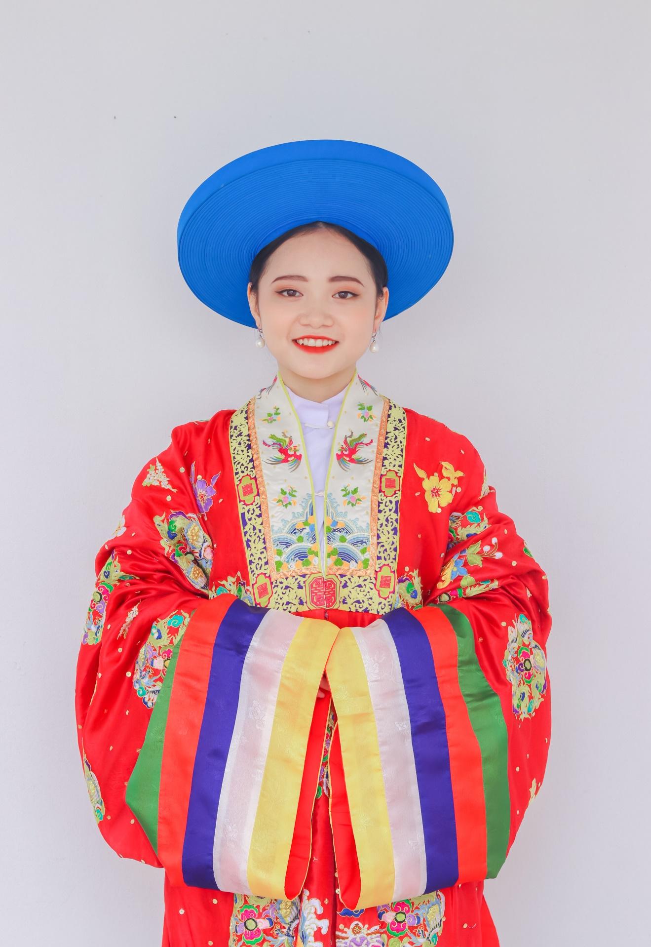 Cổ phục Việt lưu giữ tinh hoa văn hóa dân tộc - Ảnh 4.