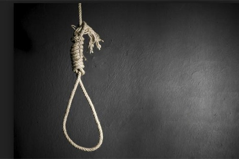 Nghệ An: Một nam sinh lớp 10 tử vong trong tư thế treo cổ tại nhà riêng - Ảnh 1.