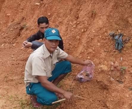 Quảng Trị: Một hộ dân phát hiện 4 hài cốt liệt sĩ khi san nền làm nhà - Ảnh 1.