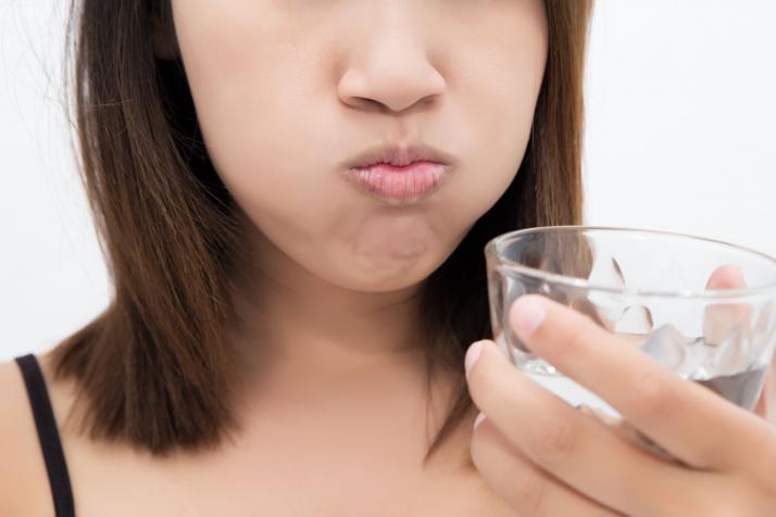 Lời khuyên về cách làm sạch mảng bám trên răng từ chuyên gia răng miệng - Ảnh 3.