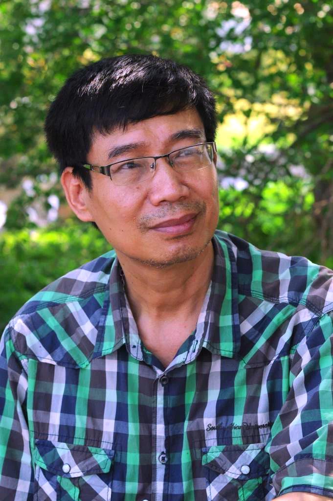 Nhà văn Sương Nguyệt Minh