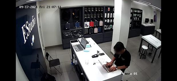 Nữ khách hàng bị đánh cắp thông tin nhạy cảm khi sửa máy tính ở FPT Shop: Sa thải quản lý và nhân viên - Ảnh 1.