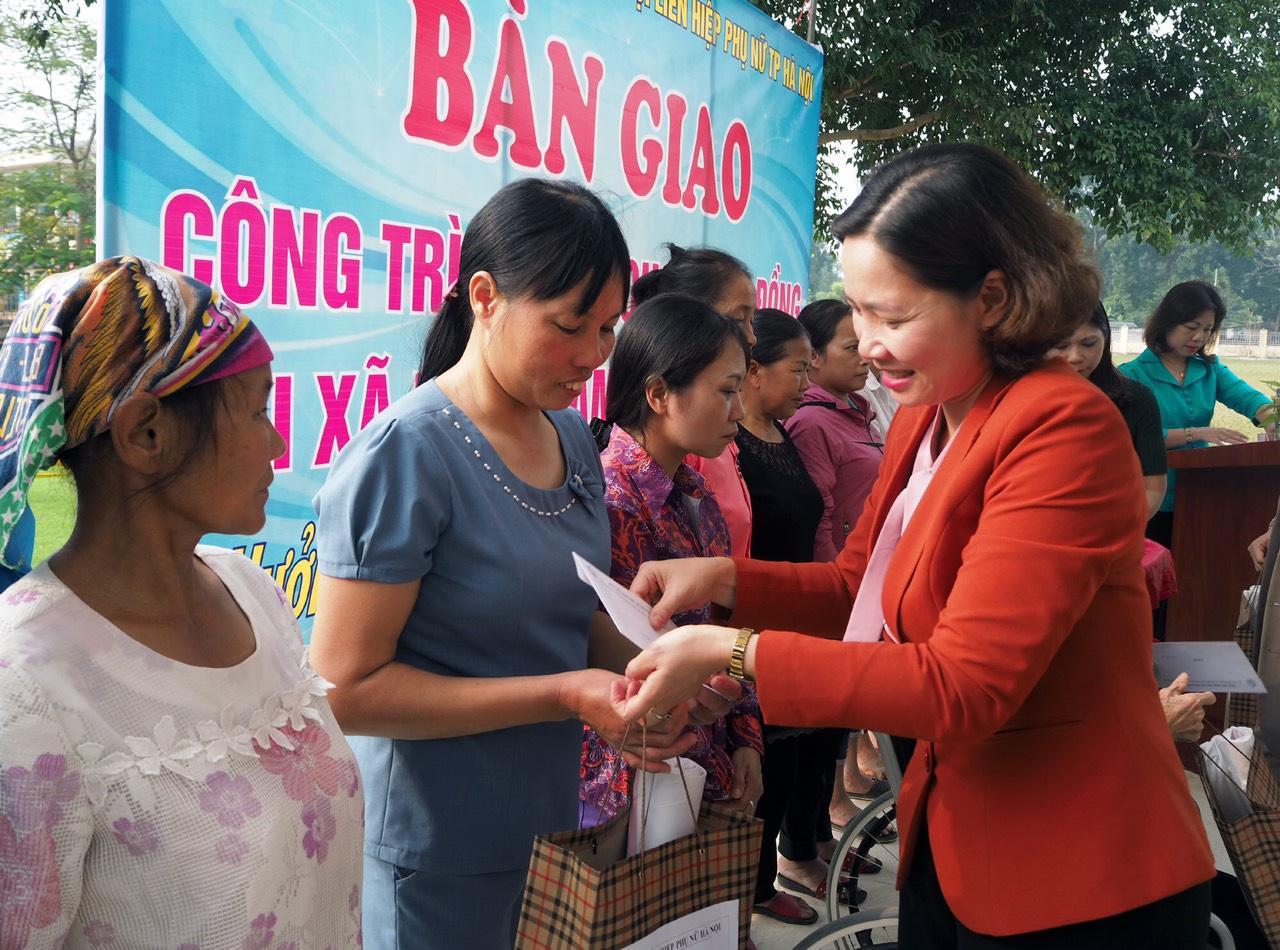 Hội LHPN TP. Hà Nội khánh thành sân chơi cộng đồng 500m2 - Ảnh 4.